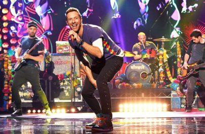 Urmărește noul videoclip al trupei Coldplay
