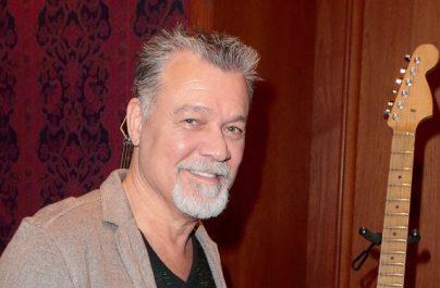 Două chitare ale lui Eddie Van Halen vor fi scoase la licitație