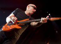 "Joe Satriani anunță turneul european ""The Shapeshifting"""