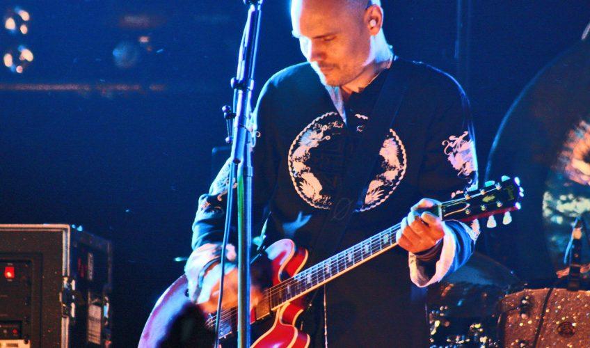 """Ascultă """"Cotillions"""", piesa care dă numele celui mai recent album al lui Billy Corgan de la Smashing Pumpkins"""