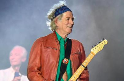"""Keith Richards: """"Scriam cântece în timp ce mă uitam la TV"""""""