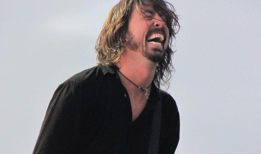 """Dave Grohl: """"Ani de zile m-am gândit să-mi scriu memoriile"""""""