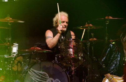 Joey Kramer nu are dreptul să cânte cu Aerosmith