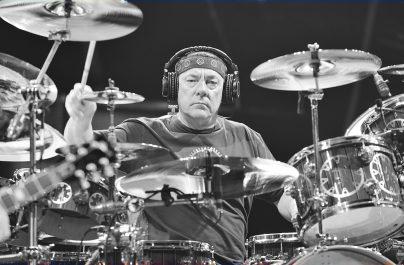 Neil Peart votat cel mai bun muzician de muzică progresivă din toate timpurile