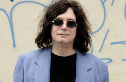 """Compozitorul piesei """"I Love Rock 'N' Roll"""" a murit din cauza coronavirusului"""