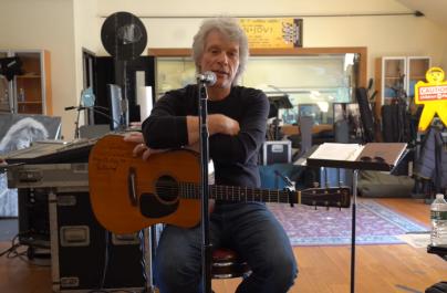 Coronavirus: Bon Jovi a scris primul vers și refrenul unei piese despre criza mondială de acum. Restul îl compunem noi