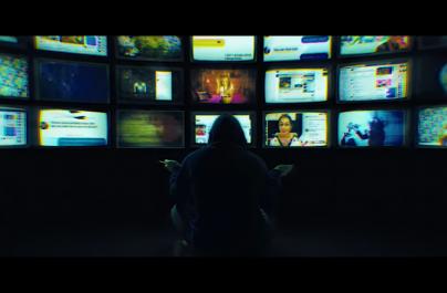 """Urmărește videoclipul piesei """"Can You Hear Me"""" a trupei Korn"""