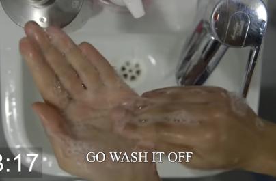 (VIDEO) Noul videoclip Foals este o lecție de spălat corect pe mâini