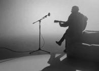 Kings of Leon a lansat un videoclip alb-negru pentru o nouă piesă acustică