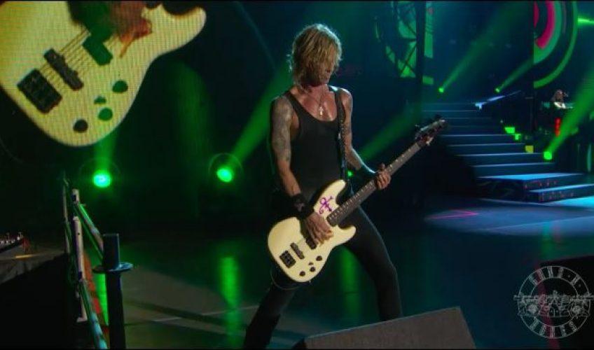 "Guns N' Roses lansează un video cu șase piese live din turneul ""Not In This Lifetime"""