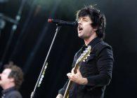 """Billie Joe Armstrong lansează """"No Fun Mondays"""", un album de coveruri realizate în carantină"""