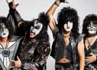 """Kiss promite să """"ardă 2020"""" printr-un concert incendiar online, live de Anul Nou"""