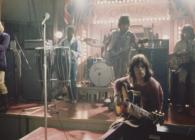 """Urmărește-l pe John Lennon """"înnebunit"""" la un concert The Rolling Stones"""