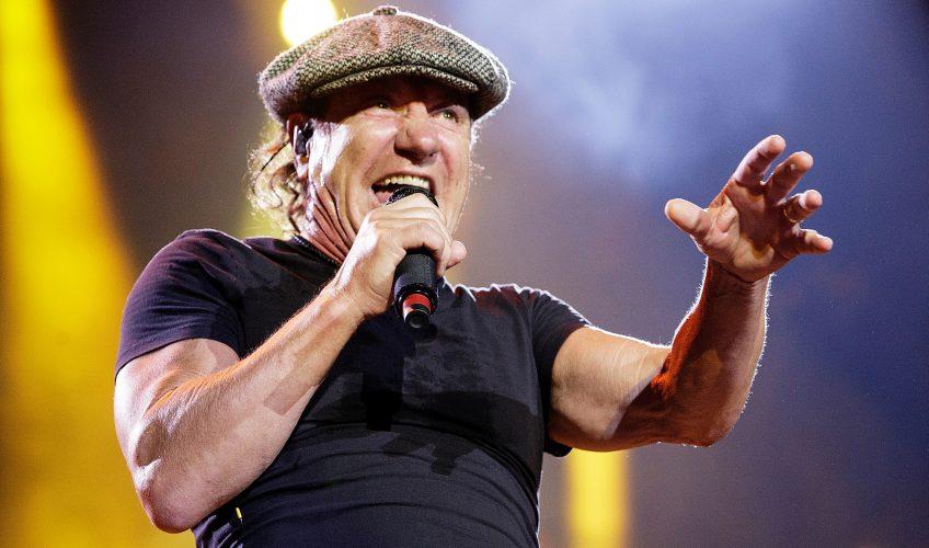 (VIDEO) Urmărește-l pe Brian Johnson cântând cu trupa Geordie, înainte de AC/DC