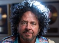 "Steve Lukather a lansat videoclipul piesei ""I Found The Sun Again"""