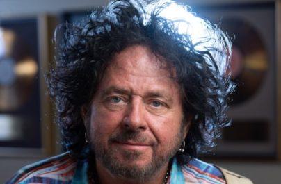 "Steve Lukather a lansat videoclipul piesei ""I Found The Sun Again"""