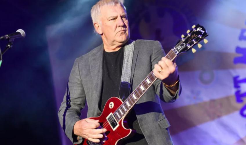Alex Lifeson, chitaristul Rush, a lansat două noi cântece